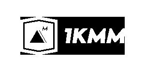 logo-1kmm-blanco