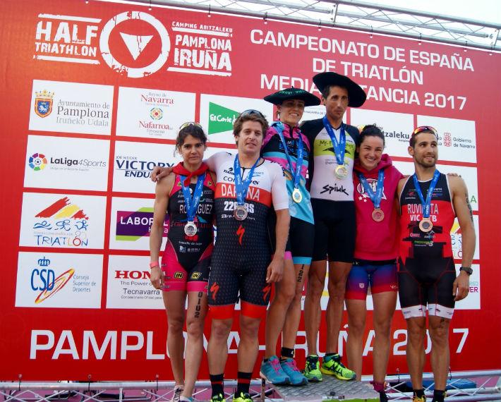 Gustavo Rodríguez Y Rut Brito, Campeones De España En El Half Triathlon Pamplona – Iruña